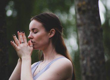 Yoga with B 🐝